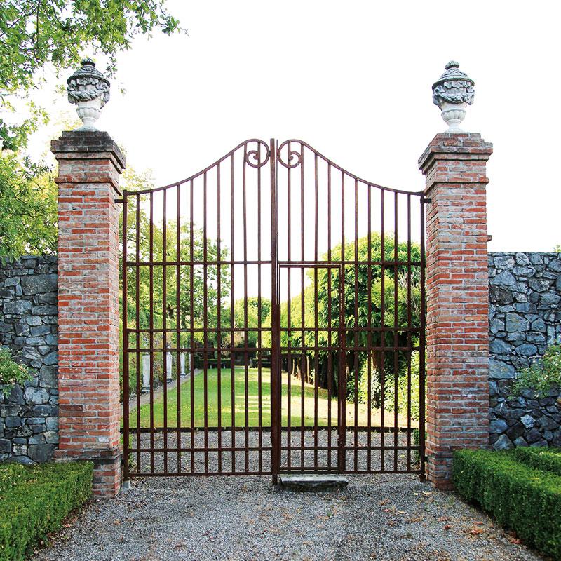 Colletto Villas Gates