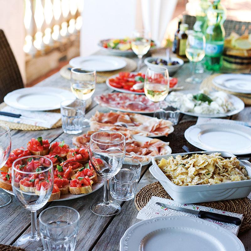 Colletto Villas Dining table